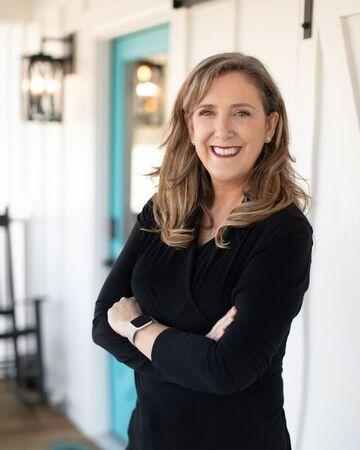 Dr. Jennifer Camp